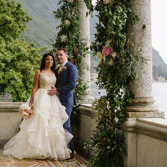 Laura & Christopher lake como elope