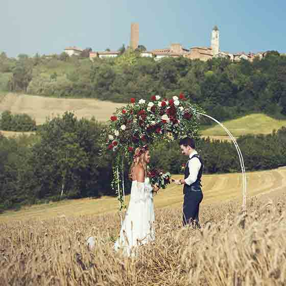 jennifer & rowan elope in italian countryside Monferrato
