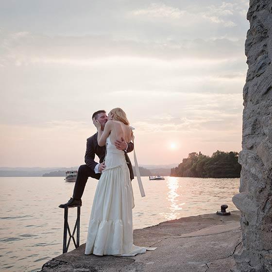 Lauren & Roderick elope lake garda